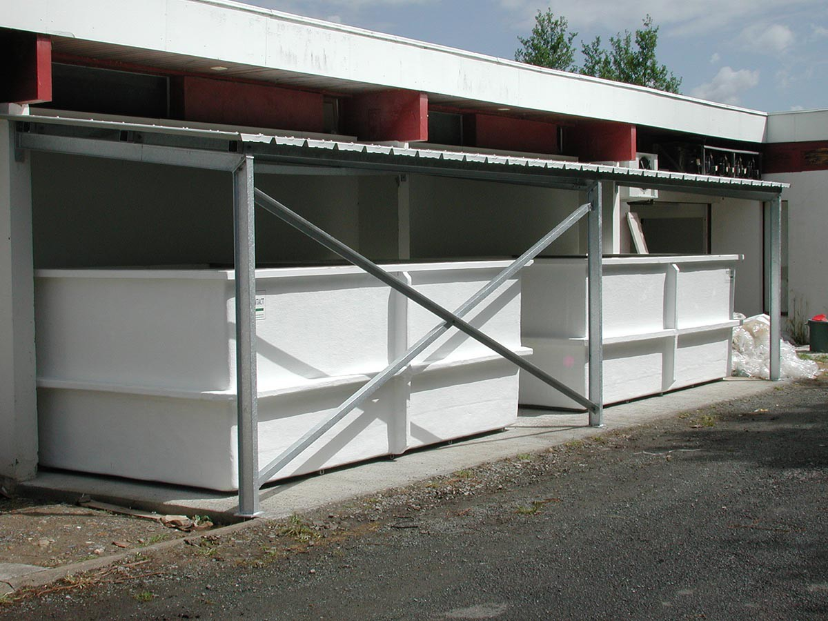 Buffer tanks for fish nursery