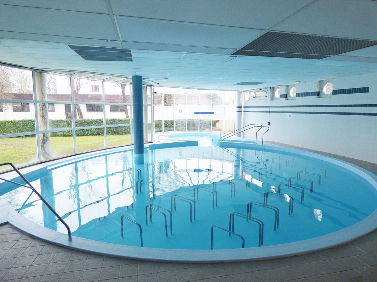 Stratified lining care pool